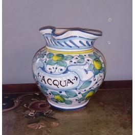 Handdekorierter Wasserkrug aus Keramik